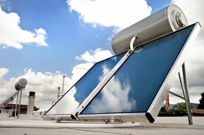 Mantenimiento de equipos de energía solar térmica